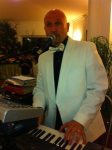 musica matrimonio roma cantante pianista musicista ricevimento nozze sposi Villa Cinardi