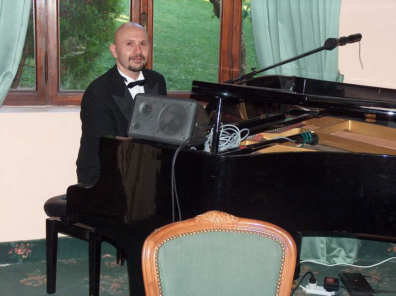 Musica per matrimonio : piano bar
